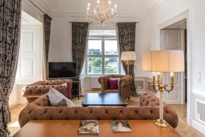 Posezení v ubytování Schloß Schönbrunn Grand Suite
