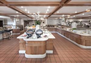 ドーセット グランド スバン ホテルにあるレストランまたは飲食店