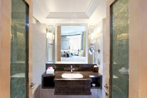 ドーセット グランド スバン ホテルにあるバスルーム