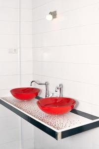A bathroom at Nest Hostel Tbilisi