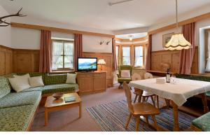 Ruang duduk di Haus Gaisberger