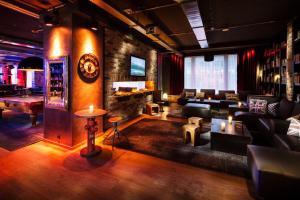 The lounge or bar area at Pentahotel Prague