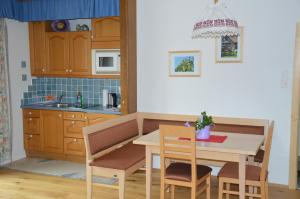 Küche/Küchenzeile in der Unterkunft Wolf-Hof