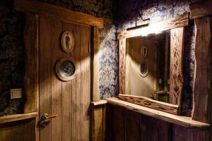 A bathroom at Agate Hotel