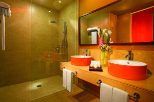 A bathroom at Breathless Punta Cana Resort & Spa - Adults Only