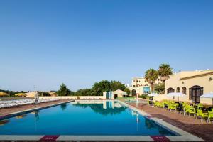 Het zwembad bij of vlak bij Alvor Clube Brisamar