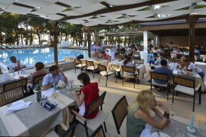 Ресторан / где поесть в Village Galijot Plava Laguna