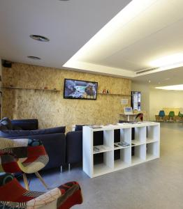 The lobby or reception area at Dream Cube Hostel
