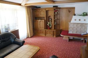 Ein Sitzbereich in der Unterkunft Haus Tiroler Heimat