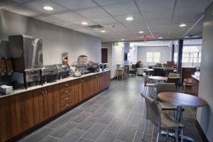 Ресторан / где поесть в Microtel Inn & Suites Sault Ste. Marie