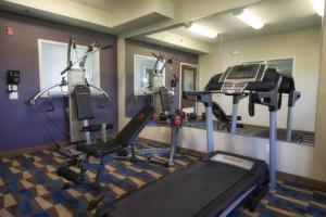 Фитнес-центр и/или тренажеры в Microtel Inn & Suites Sault Ste. Marie