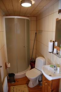 Vannituba majutusasutuses Avinurme Hostel