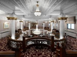 A restaurant or other place to eat at St. Ermin's Hotel, Autograph Collection