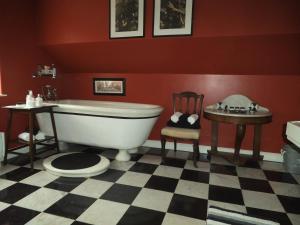 A bathroom at Tabsfield