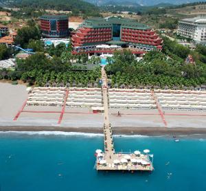 Blick auf Delphin Deluxe Resort aus der Vogelperspektive