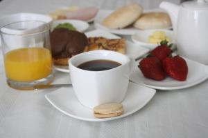 Opciones de desayuno disponibles en Hostal Buró