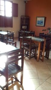A restaurant or other place to eat at Hostal La Casona