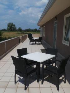 Ein Balkon oder eine Terrasse in der Unterkunft Albergo Italia