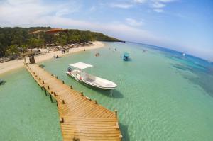 A bird's-eye view of Infinity Bay, Spa & Beach Resort
