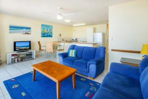 A seating area at Capeview Apartments