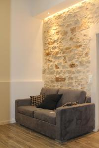 A seating area at Une Pause a Signes