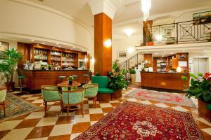 Lounge nebo bar v ubytování Hotel Splendid