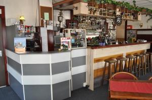 The lounge or bar area at De Poort van Drenthe