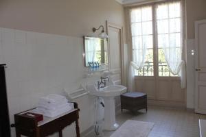 Salle de bains dans l'établissement Appartement du Château du Grand Bouchet