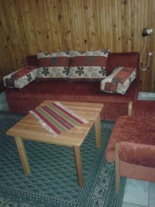 A seating area at Napsugar Nyaraló