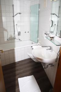 A bathroom at Die Krone