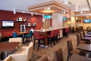 A restaurant or other place to eat at Hampton Inn Nashville / Vanderbilt