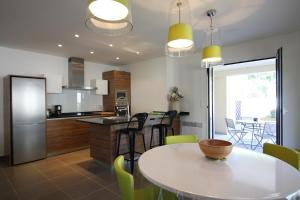 A kitchen or kitchenette at Residence Catherine