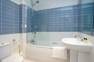 A bathroom at SACO Farnborough