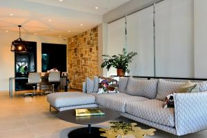 The lobby or reception area at Hotel Osam - Adults Only