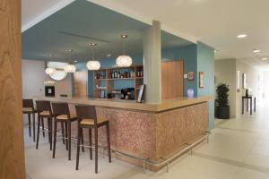 Salon ou bar de l'établissement Domitys Le Chant des Lavandières