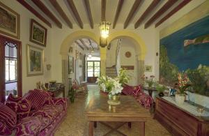 The lobby or reception area at Hostal Miramar