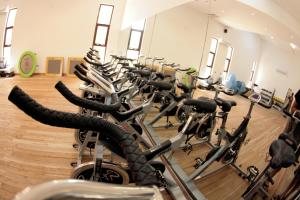 The fitness centre and/or fitness facilities at Bahari Beach Hotel