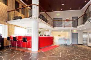 The lobby or reception area at Thon Hotel Saga