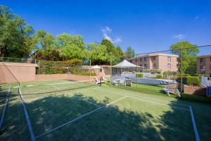 Tennis and/or squash facilities at Accommodate Canberra - Kingston Court or nearby