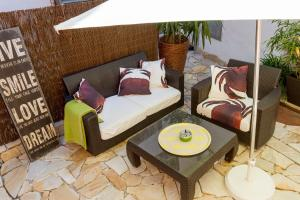 Ein Bett oder Betten in einem Zimmer der Unterkunft unser rosa Haus für Sie