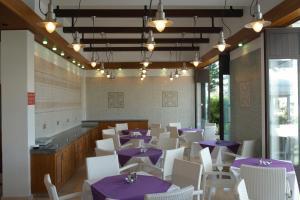 Un restaurant sau alt loc unde se poate mânca la Senator Hotel Apartments