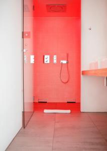 Een badkamer bij Vesper Hotel