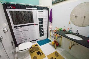 A bathroom at Guanaaní Hostel