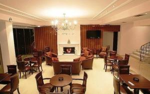 Salon ili bar u objektu Hotel Athina
