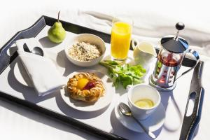 Breakfast options available to guests at Mercure Melbourne Albert Park