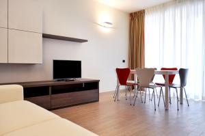TV o dispositivi per l'intrattenimento presso BB Hotels Aparthotel Bicocca