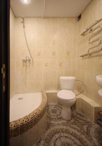 A bathroom at FullHouse Hostel