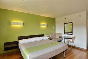 Letto o letti in una camera di Motel 6-Danvers, MA - Boston North
