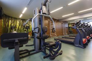 The fitness center and/or fitness facilities at Mercure Salvador Pituba