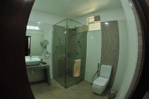 A bathroom at Anantamaa Hotel
